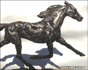 Anne Clifford Standardbred bronze sculpture detail