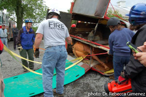 Rescuing a horse from an overturned trailer